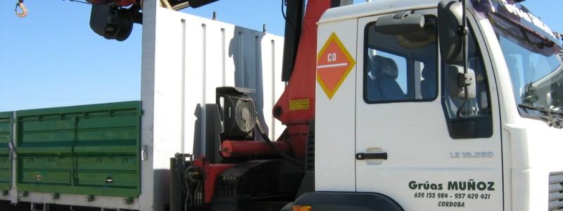 Alquiler camiones góndolas en Córdoba con conductor - Grúas Muñoz