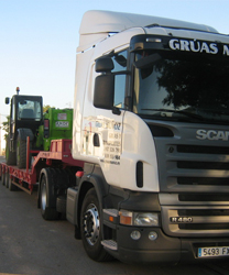 Transporte de maquinaria agrícola - Grúas Muñoz