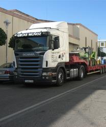 Transporte de mercancías por carretera - Grúas Muñoz